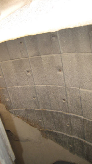 2005 Pioneer VSI 2500 UltraSpec. Internal chamber of vertical shaft impact crusher.. Outer wear parts.