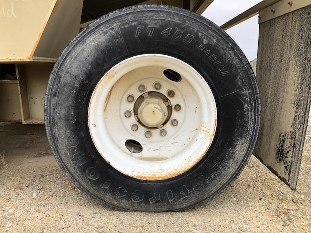 2005 Pioneer VSI 2500 UltraSpec.  Radial Tire.