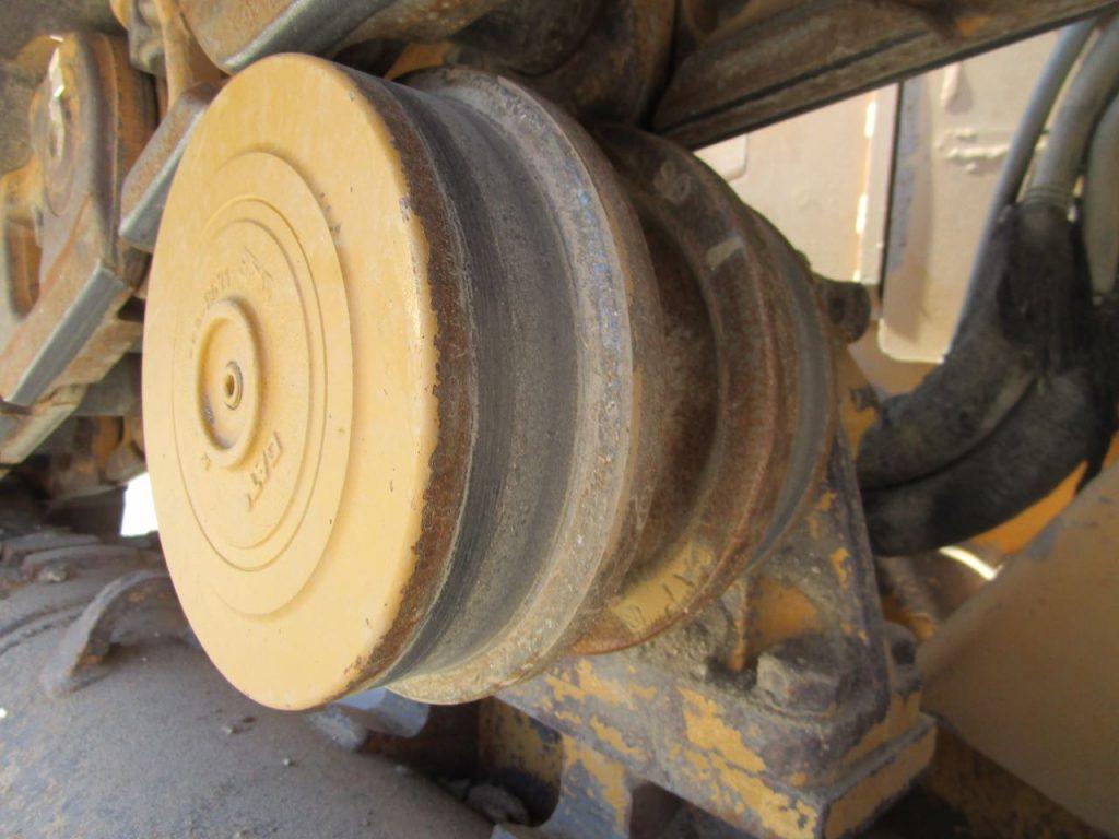 2012 CAT D6T XL. Top rollers.