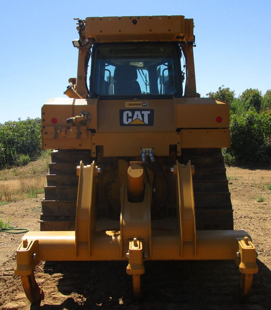 2017 CAT D6T XL. Rear center view and three shank ripper.