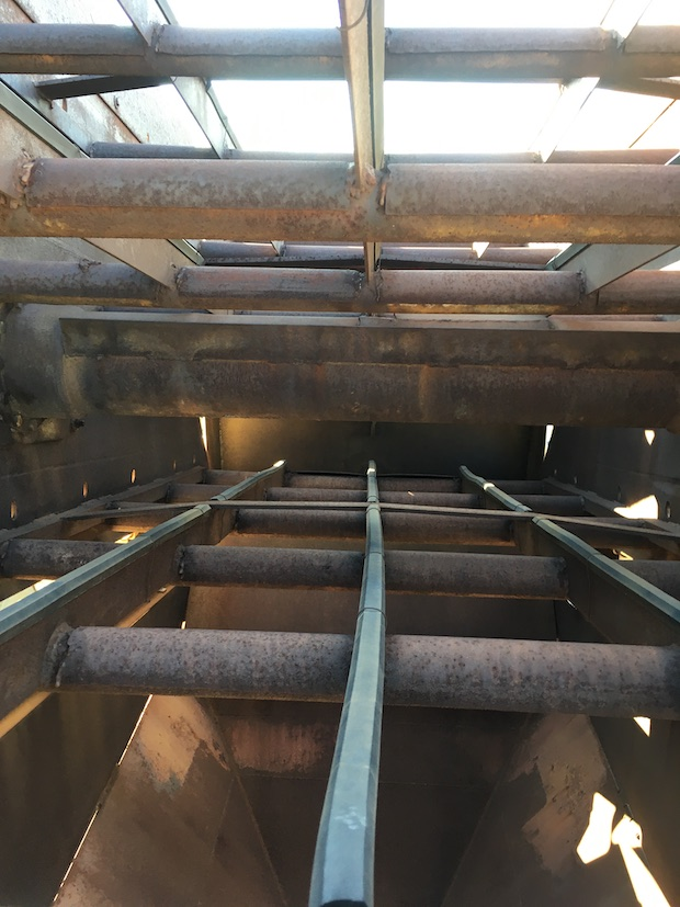 Kolberg Portable 5x10 3-Deck Incline Screen. Bottom deck.