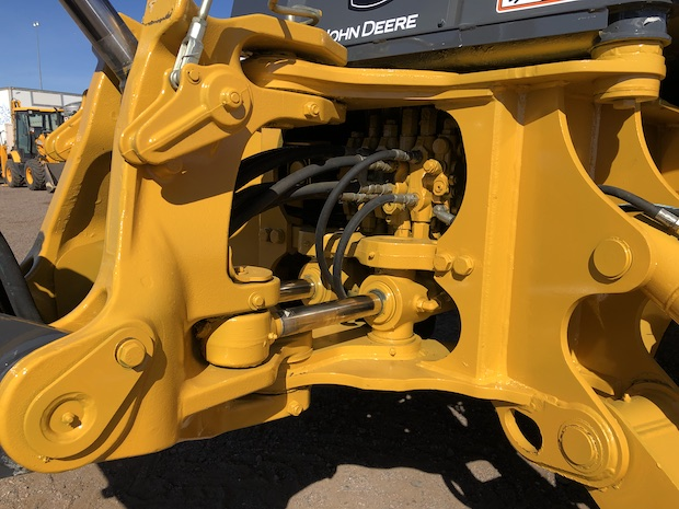 2013 John Deere 310K EP with Extend-a-hoe. Rear main hydraulic connections