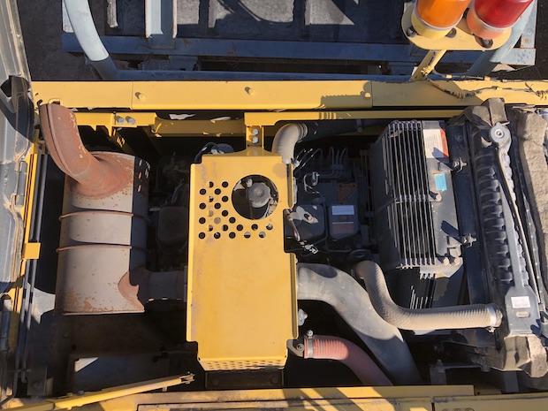 2006 Komatsu BR380JG. Track Mounted Jaw Crusher. Top view of engine.