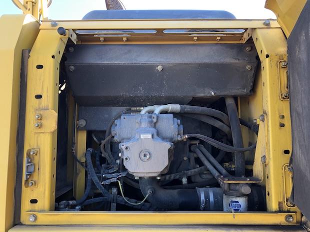 2006 Komatsu BR380JG. Track Mounted Jaw Crusher. Side view of main hydraulic pump.