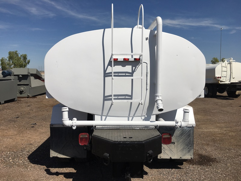 1999 Ford F800 Water Truck. Rear of tank.
