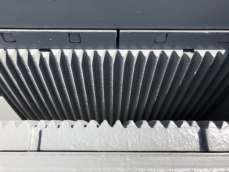 Top view of Jaw Dies of Gator 10x39 Jaw Crusher PEX1039.