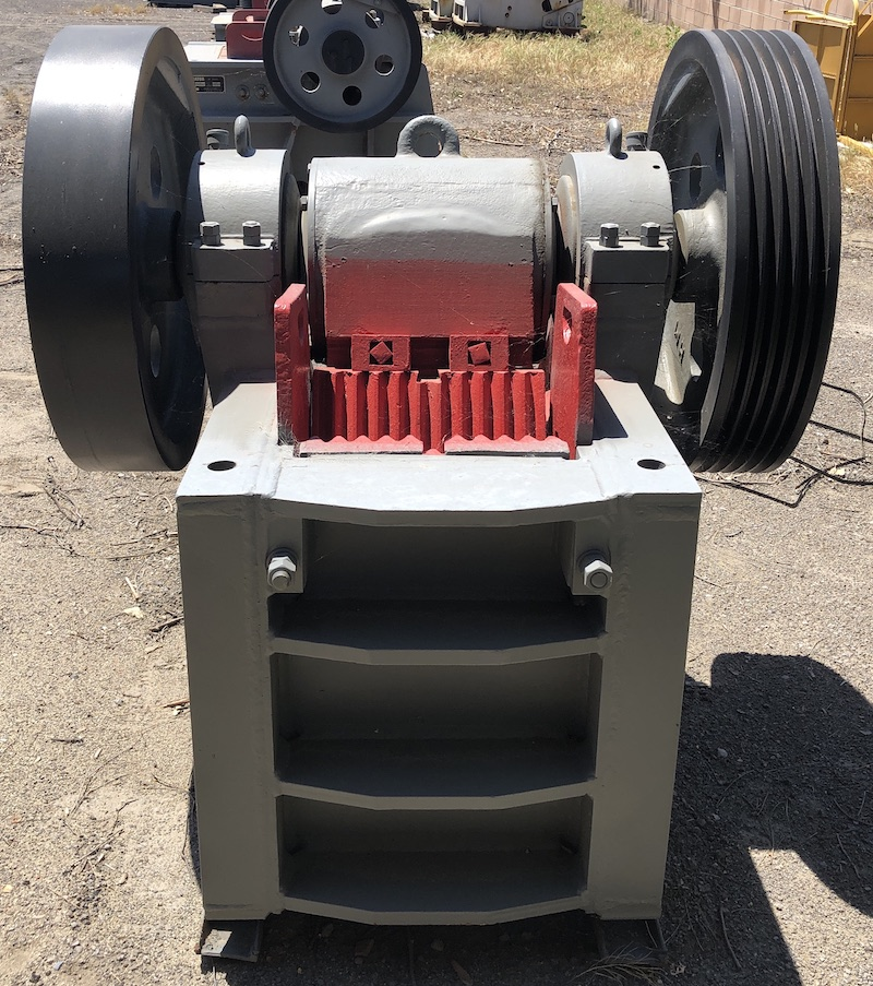 Gator 10x16 Jaw Crusher. Front view.