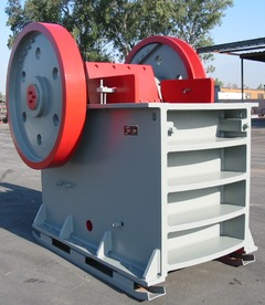 Gator 24x36 Jaw Crusher . Front right view of crusher.