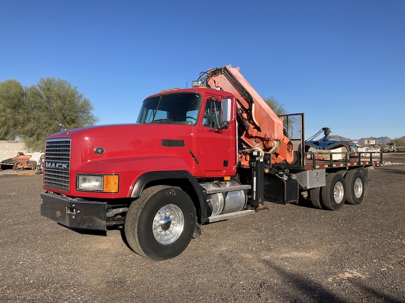 2001 Mack CL713, Atlas Knuckle Boom Crane