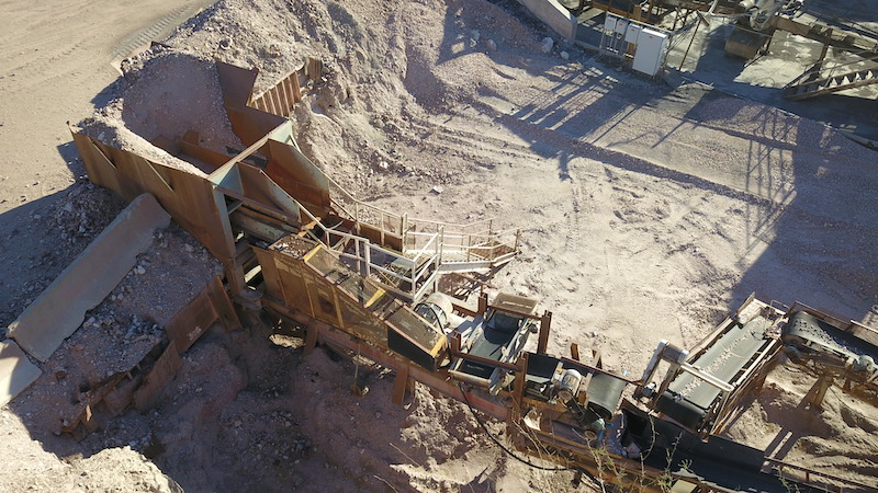 """Portable crushing plant. Eagle 20""""x36"""" Jaw Crusher and Allis Chalmers Vibrating Grizzly Feeder (VGF)."""