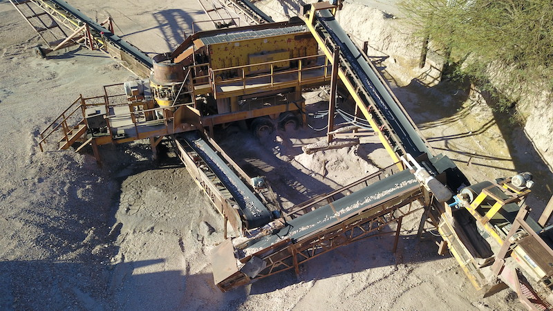Portable crushing and screening plant. El-Jay Rollercone 45 with 5x16 triple deck horizontal screen.