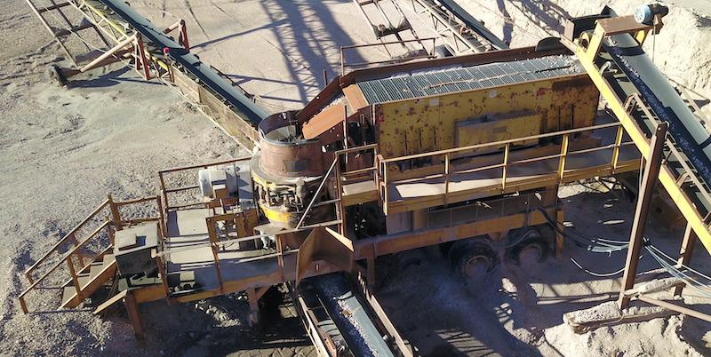 El-Jay 5x16 3-Deck Screen and El-Jay Rollercone 45 Plant.